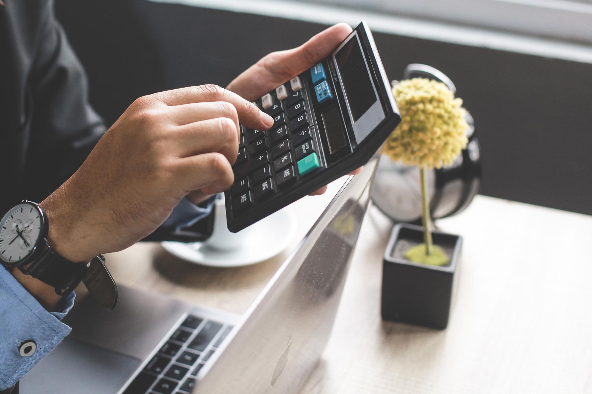 Kalkulator, ilustracja do artykułu